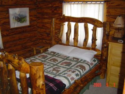 Custom log bed
