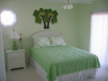 Green Guest Bedroom - Ocean Front