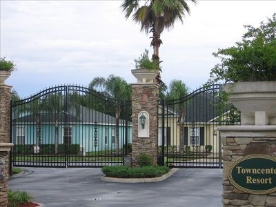 Quiet gated community........