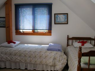 Ogunquit cottage photo - 2nd Bedroom showing 2 of the 3 Twin beds