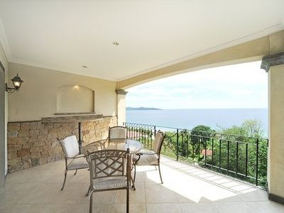 Completely Clear View of Flamingo beach!This is your private balcony