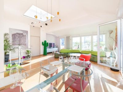 Air-conditioned apartment, close to the center of town