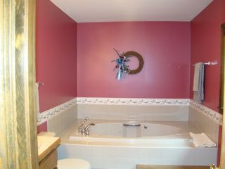 Plymouth house photo - Master Bath w/Jacuzzi
