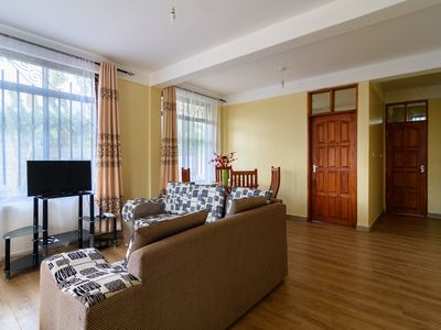 Apartment 2bedrooms furnished, in a 3 apartments house, 10min from Arusha Center