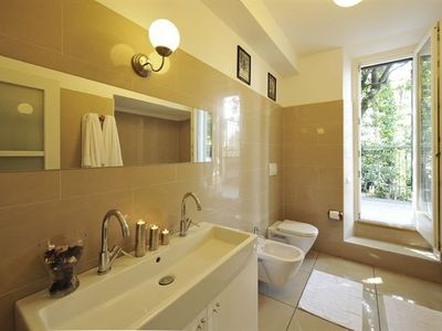 3 Modern fully fitted bathrooms