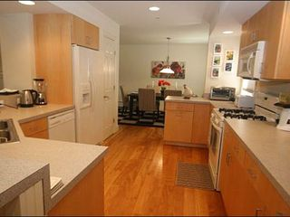 Stowe townhome photo - Large, Fully Equipped Kitchen
