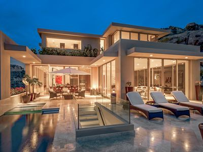 Contemporary Elegance in Pedregal.  180 Degree Sweeping Views.  5 Bedrooms, Sleeps 10.  Airport Transfers Included.