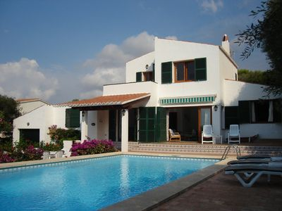 Large villa with private pool, close to the beach