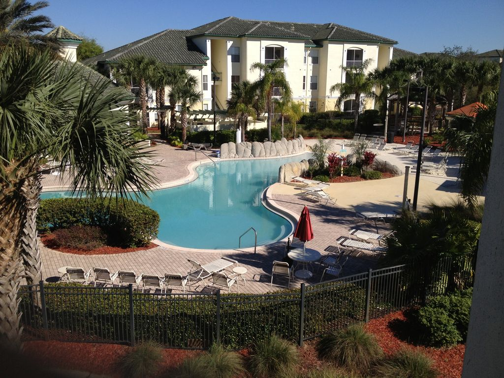Close to Walt Disney World, heated swimming pool, game room, tennis court, gated