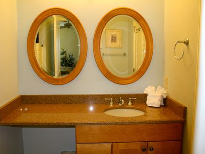 Sanibel Island condo rental - Guest bathroom, extra vanity