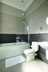 Edinburgh apartment photo - En-suite bathroom