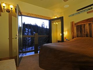 Copper Mountain townhome photo - Master Suite overlooks Mountain.