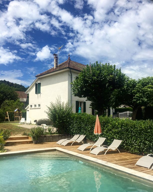 CHARMING  HOUSE WITH SUPERB SWIMMING POOL NEAR THE GRAND COLOMBIER.