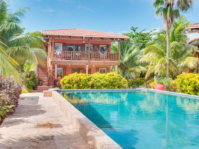 Coral Caye Villa with Fresh water pool