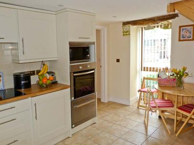 PIGGERY COTTAGE, pet friendly, with a garden in Wigton, Ref 28090