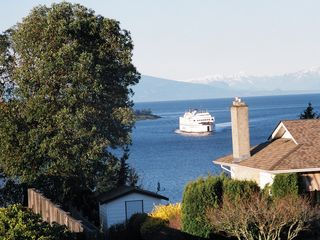 Nanaimo apartment photo - Ferry arriving from Vancouver, Nth shore mts in distance