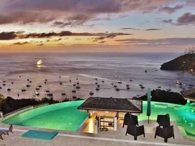 * 5* Boutique Luxury * Amazing Infinity Pool * Breathtaking Views * Voted No 1 * - Penthouse Suite