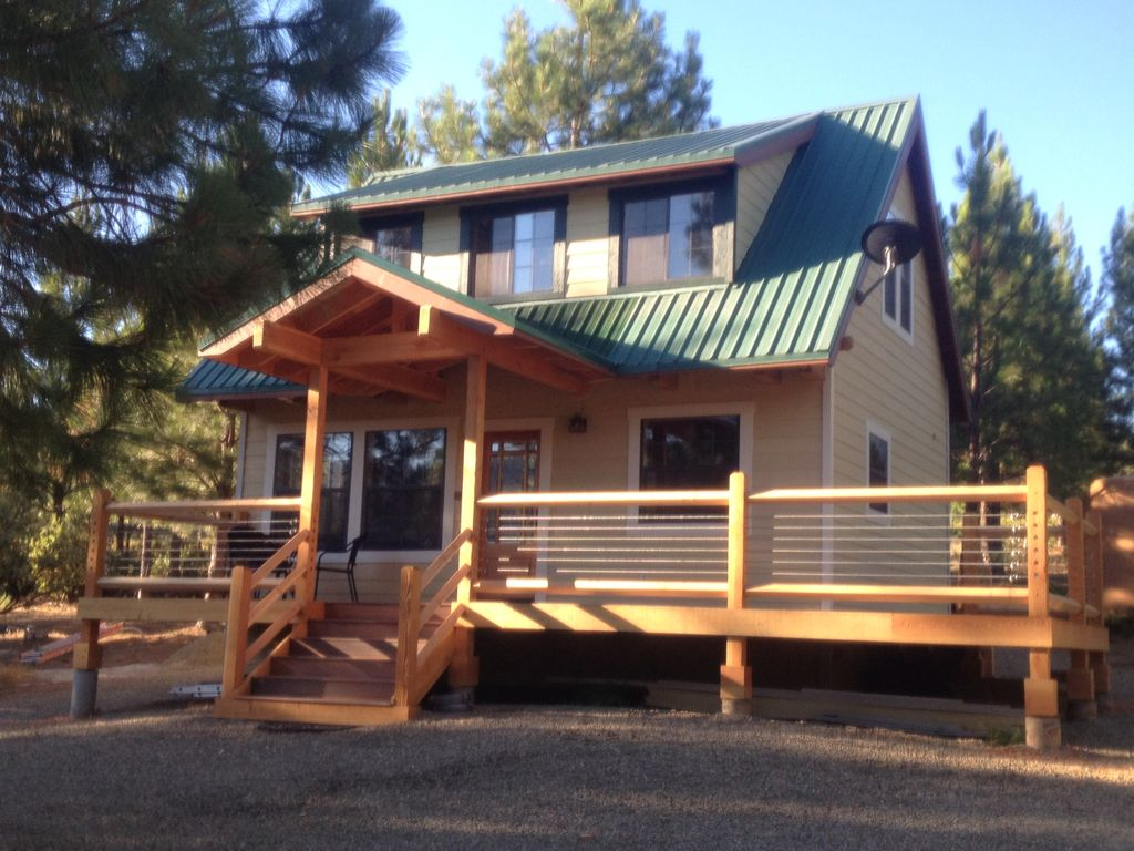 Beautiful custom cabin inside yosemite national park 2 br for Yosemite national park cabin rentals
