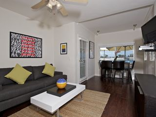 Mission Beach condo photo - Light and bright open floor plan