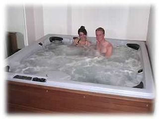 450 Gallon 8-person Jacuzzi - Keystone townhome vacation rental photo