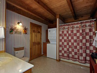 Pigeon Forge cabin photo - Master Bathroom With Washer/Dryer