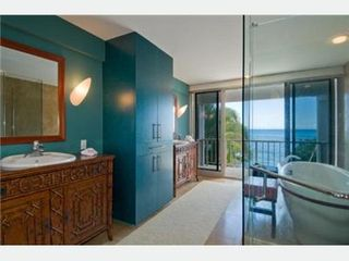 Diamond Head house photo - Bathroom