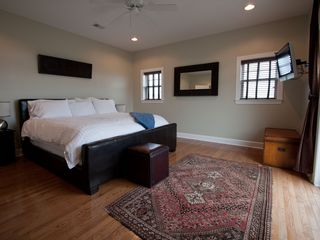 Folly Beach townhome photo - Master bedroom with California King bed
