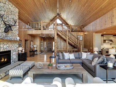 Pelican Pines Lakehouse luxurious cabin renovated by professional designer