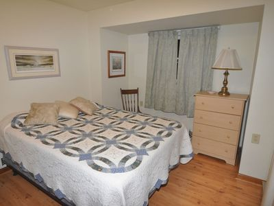 Lake Wallenpaupack cabin rental - Master Bedroom with Queen Size Bed