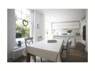 Immaculately Presented Family Friendly Detached London House