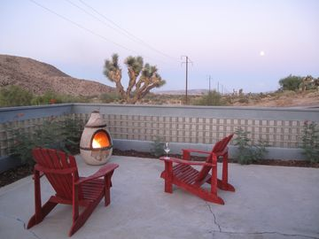 Joshua Tree cottage rental - Patio chiminea and views
