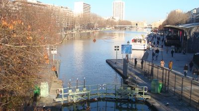 Bassin Villette (less than 3 minutes by walk)