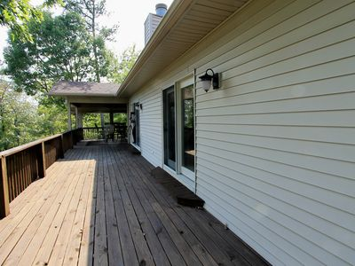 Hot Springs Village house rental - Side deck leading to back of house.