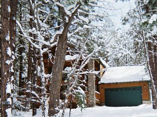 Pinetop cabin photo - New fallen snow