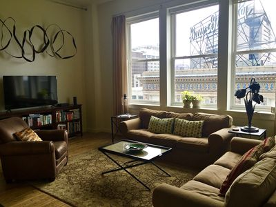 Elegant 1BR/2BA in the heart of Downtown RVA with secured parking