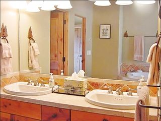 Big Sky townhome photo - Master Bath - Dual SInks