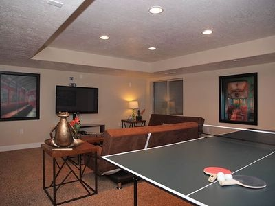BASEMENT FAMILY ROOM W/ PING PONG, COUCHES, HD TV)