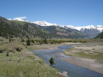 Telluride is just over an hour's drive away. Music, hiking, skiing, restaurants