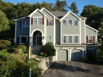 Boston house rental - At the top of a hill on quiet cul-de-sac with woods behind & suset views