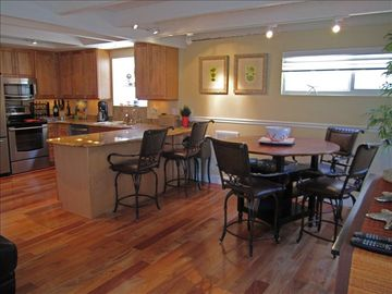 Seal Beach apartment rental - Raised Dining Room Table and Kitchen Area