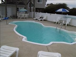 Duck house photo - Large Private Swimming Pool with plenty of deck furniture and pool chairs