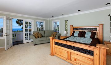 Master suite with ocean views, double sinks, huge walk in closet and flat screen