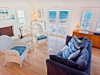 Vineyard Haven cottage photo - The Living Area Has Relaxed Seating, Fireplace & Media Center