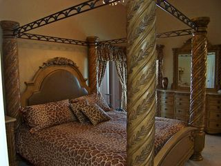 Giraffe King Size Safari Bedroom (Memory Foam Mattress) - Highgate Park villa vacation rental photo