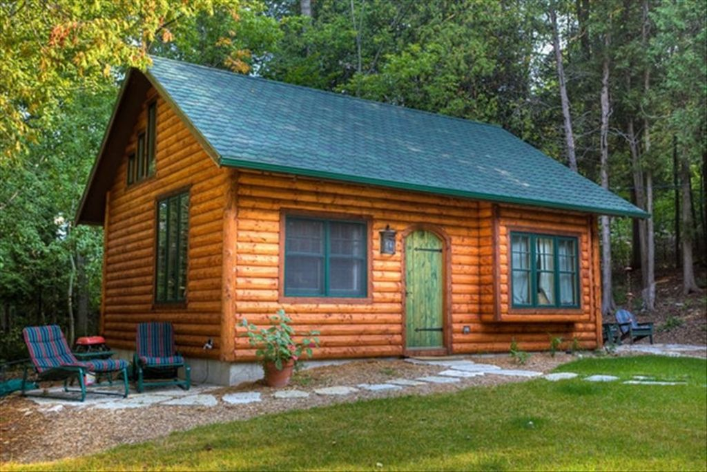 Door county log cabin in ephraim 1 small vrbo for Vacation log homes