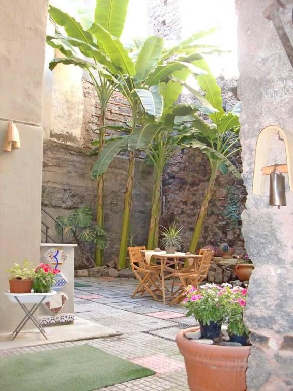 Catania center, Studio with Garden