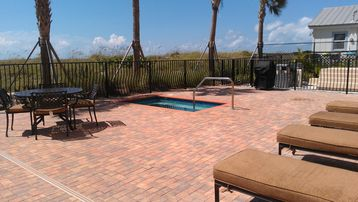Spa/Pool deck