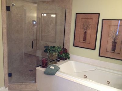 New Shower and Jet Jacuzzi Bath Tubs