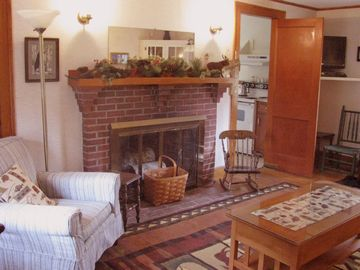 North Conway house rental - Living rm , TV/DVD, free WiFi, dining for 8