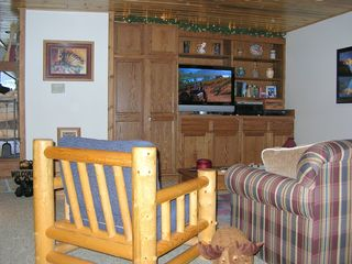 Big Sky Condo Rental Family Room with 37 Inch HDTV